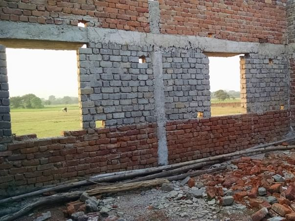 Fundraising for the Sondka low income community in Chattisgarh to help them rebuild a school. Please support with your contribution!