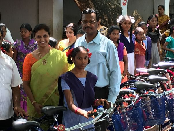 Cycles to poor girls going to school