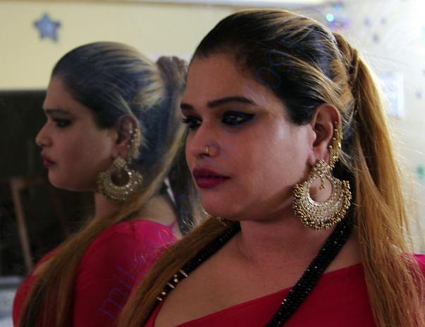 Pinky masi is the guru of Mallika, Aaliya, Khushi and Nikita