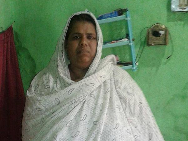 Help Zeenath Khan undergo a bariatric surgery