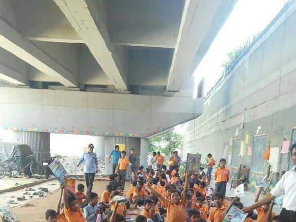 Education for 250 poor street kids @Delhi
