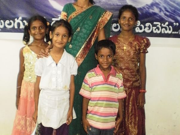 Support Mother Of 4 Children Run A Tiffin Center