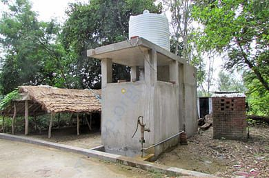 Slow sand drinking water filter