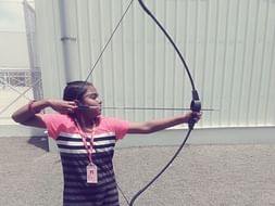 Help to get her archery kit for participation in state level.