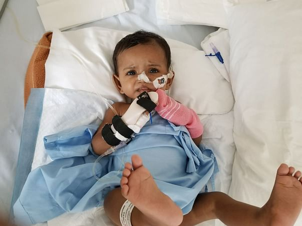 1-year-old Vyga with a swollen stomach urgently needs help