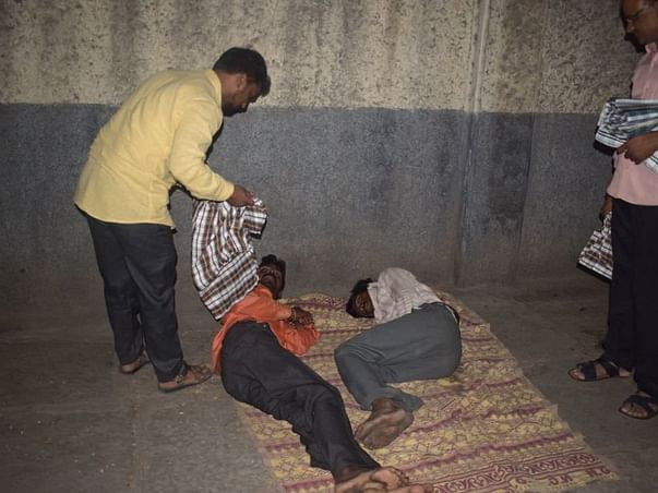 Donate a blanket to homeless for Rs:120/- Target1000 Blankets