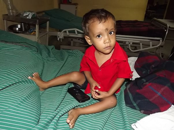 2-year-old Sayan is suffering from heart disease and needs our help