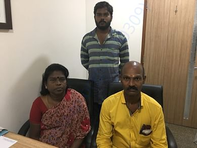 kumudha family photo