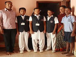 Help Manjulamma to support her 4 children's eduction
