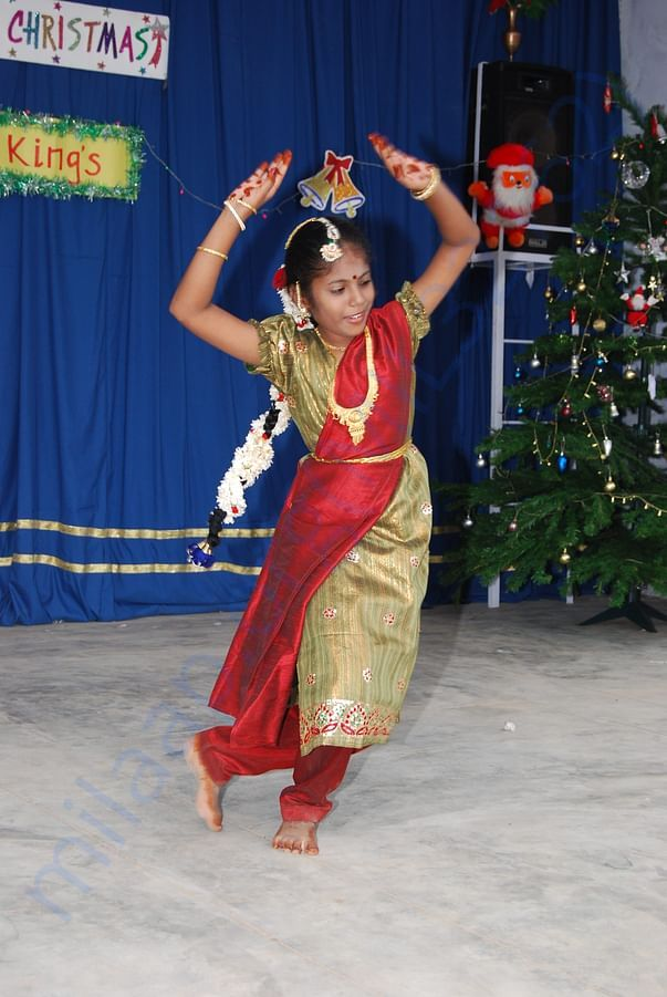 Dance and festivities for Christmas and culturals