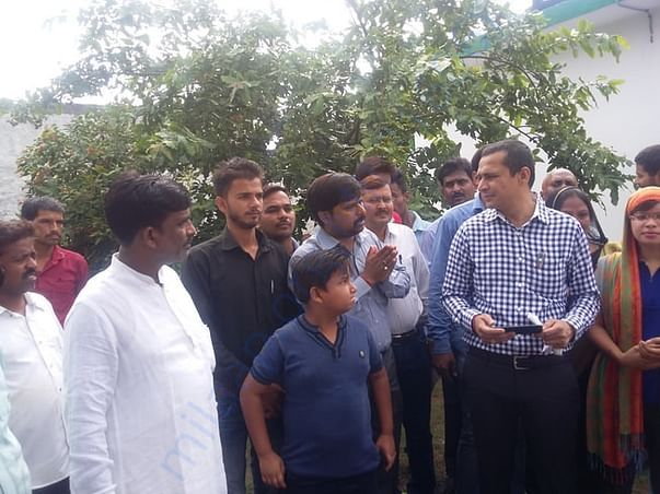 DM Lucknow dialogue with Village Pradhan(head) and others
