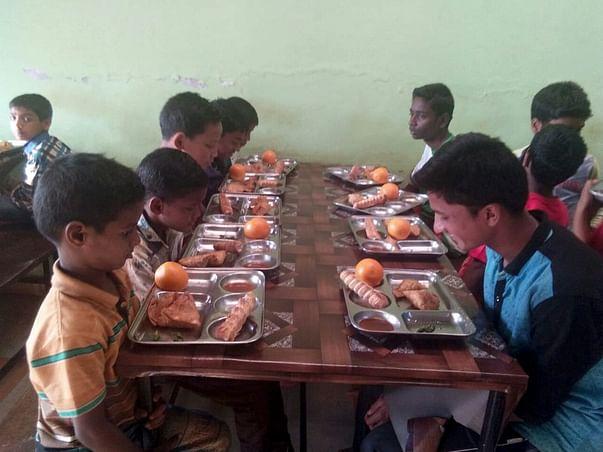 Sponsor Food to 350 Underprivileged, Orphan Children in India