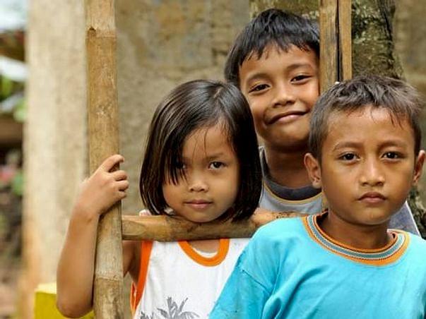Help Maitri Volunteer To Teach Underprivileged Children In Lombok