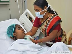 Severe Internal Bleeding Around Her Kidneys Has This Girl In The ICU