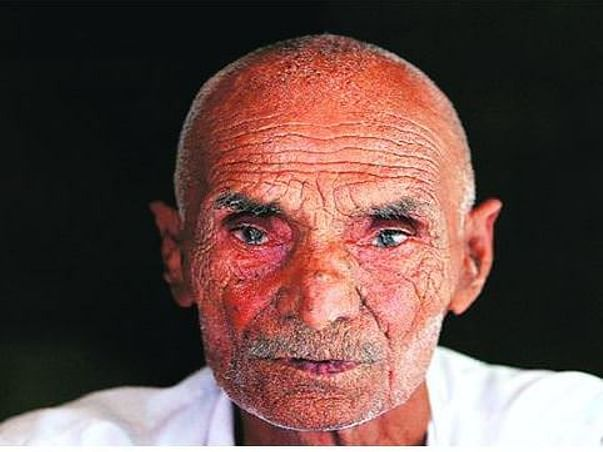 Honour kil'ng Saviour-Dhajja Ram-Let him hold head high, help raise GC