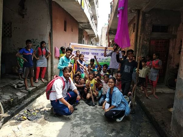 Help These Students To Clean Up The Villages In Delhi