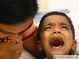 ये दुर्लभ बीमारी इस 6-साल के मासूम बच्चे के दिमाग को सुन्न कर सकती है