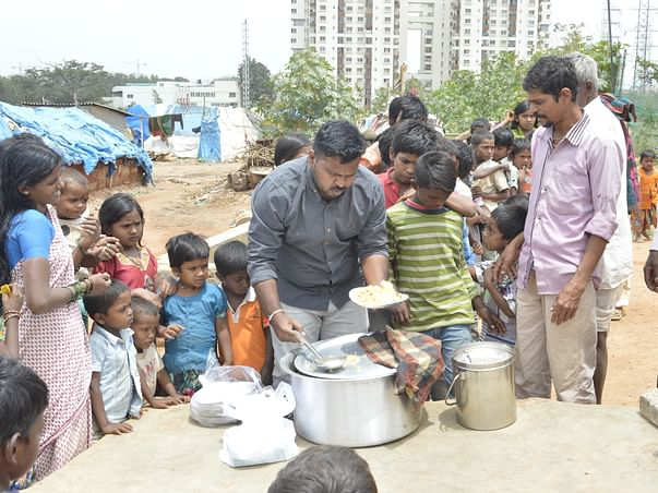 Help Me to Serve Daily Meals For Slums And Poor children in Bangalore