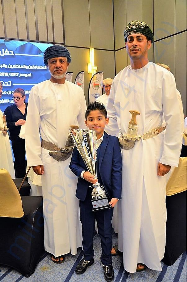 Mr. Sheikh Saad Bin Mohammed Bin Said Almardouf Al Saadi gave Trophy