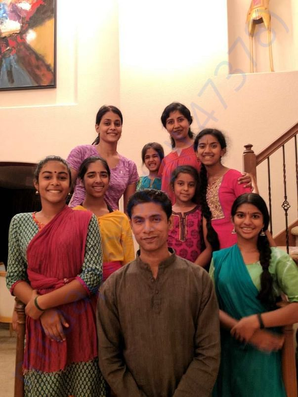 Venkatakrishnan with his disciples.