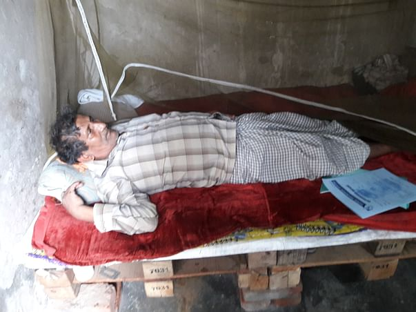 Abandoned by children,help 65 yr. old Ram Jalam fight deadly infection