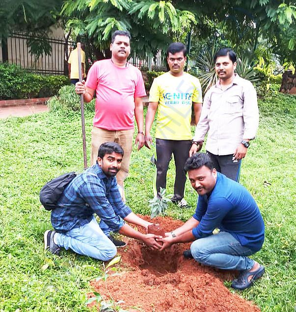 Plantin trees In Kempegowda Park