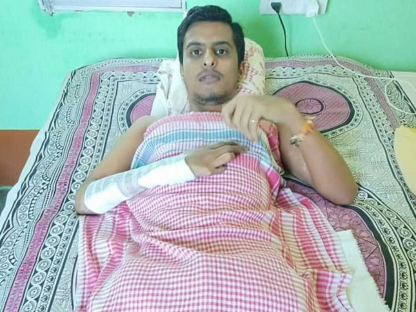 Help Abhishek Pandey fight who fell off from moving train 2 years back