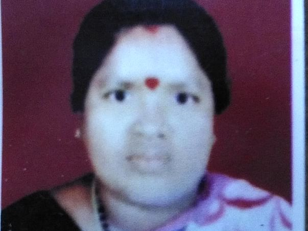 IIT Mess Worker Struggles To Save Wife From Kidney Failure