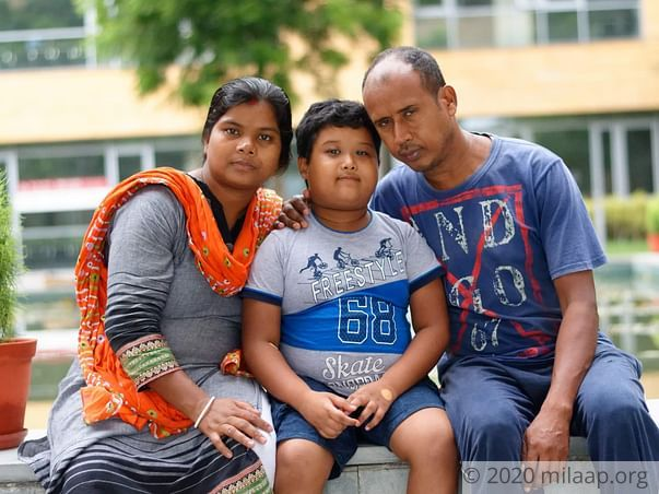 Tea Seller Will Lose His Only Child To Cancer Without Treatment