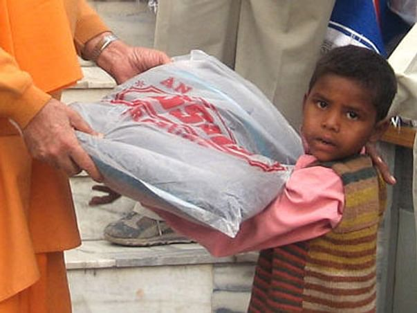 Donate Warm Clothes To Poor People As They Suffer During Winters