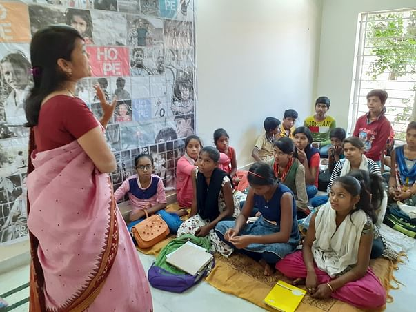 Help These Children To Get Digital Literacy Education