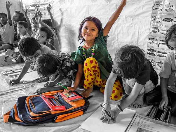 Big Dream: Support to give free Food & education