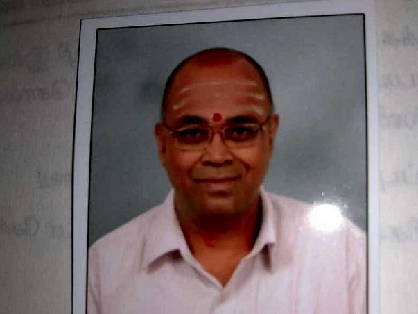 Help Srinivasan Undergo Knee Replacement Surgery