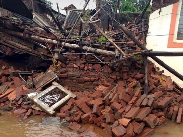 """REINFORCEMENT of flood affected""""AARE"""" Village in Kolhapur Maharashtra"""