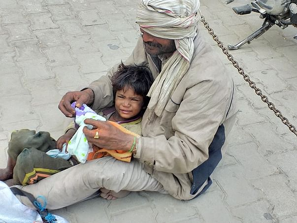 Support for slum Kids and donate to live them in good healthy life