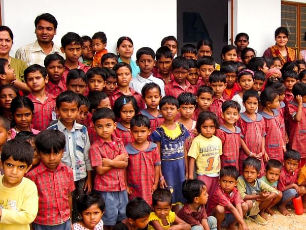 "Donate For A School Bus: ""Chalta Firta"" School!"