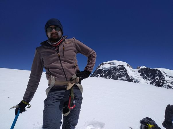 Support Mountain Climbing Manaslu 8156 meters