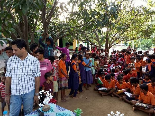 2018 new clothes distribution in schools of Purulia