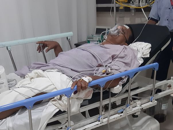 Help my father suffering from multiple stab injuries in left lung