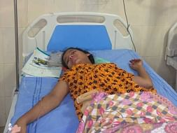 Help Syeda Faza Begum suffering from Paralysis