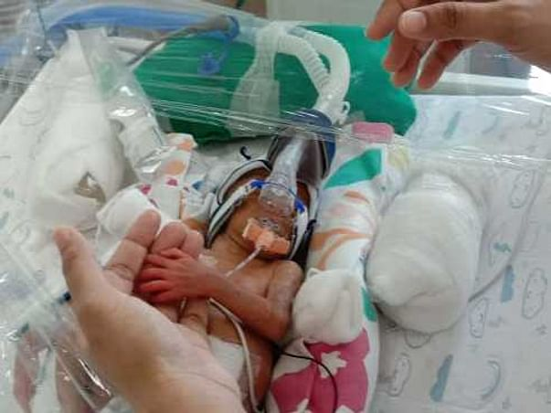 Support my extremely preterm born twin babies for their NICU treatment