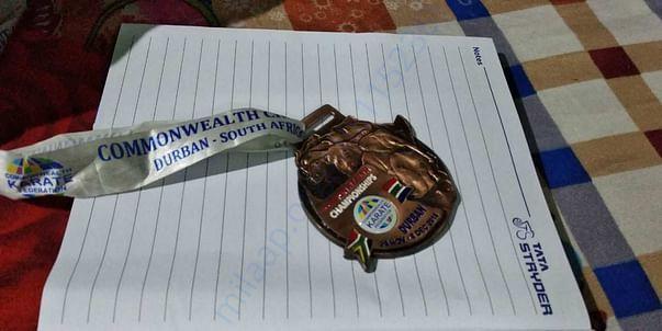 Mahek's award at the commonwealth