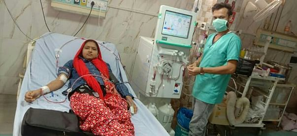 A girl Without mother father Wants help for kidney transplant