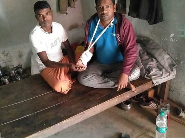 Ramdin Saket Fell From Bicycle And Fractured His Hand, Help Him