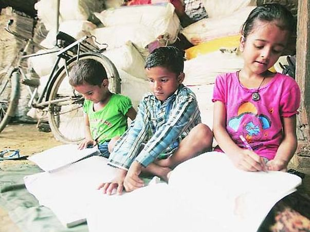 Help Covid-19 hit daily wagers (RTE) feed their families in UP