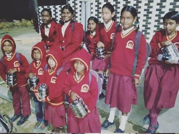 Support the Kalakar Colony children to continue their studies