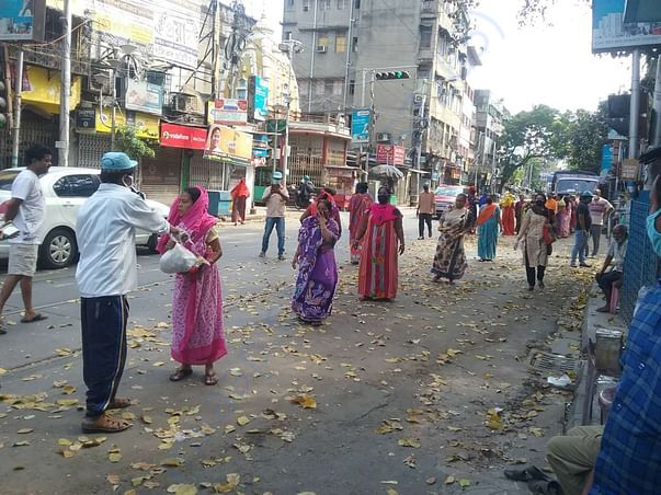 Distribution of food packets at College Street, Bowbazar, Kolkata