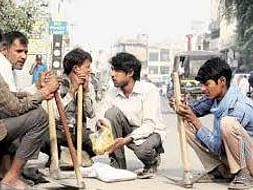 Help us in providing food to the daily wage labourers