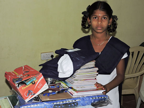 Very Poor Girl Child looking for donation. donate thru milaap