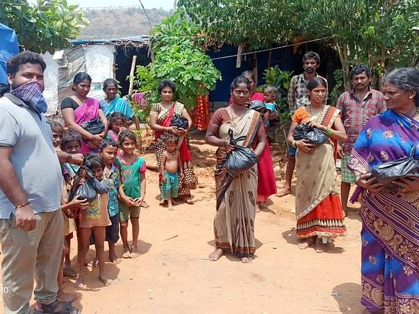 Help Me to Serve Daily Meals For Slums And Poor people in Bangalore